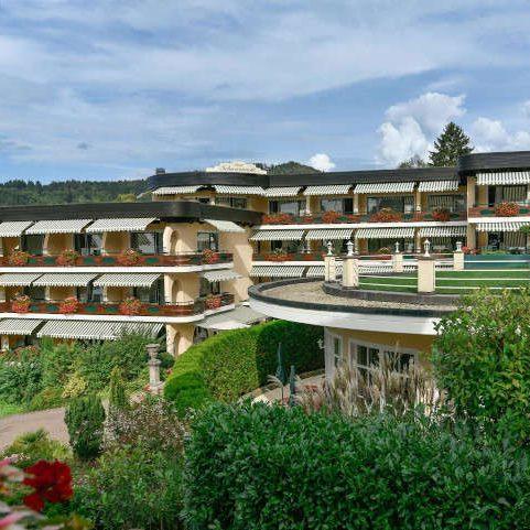 hotel-schwarzmatt_hotel_gastgeber-und-geschichte_ansicht_aktuell